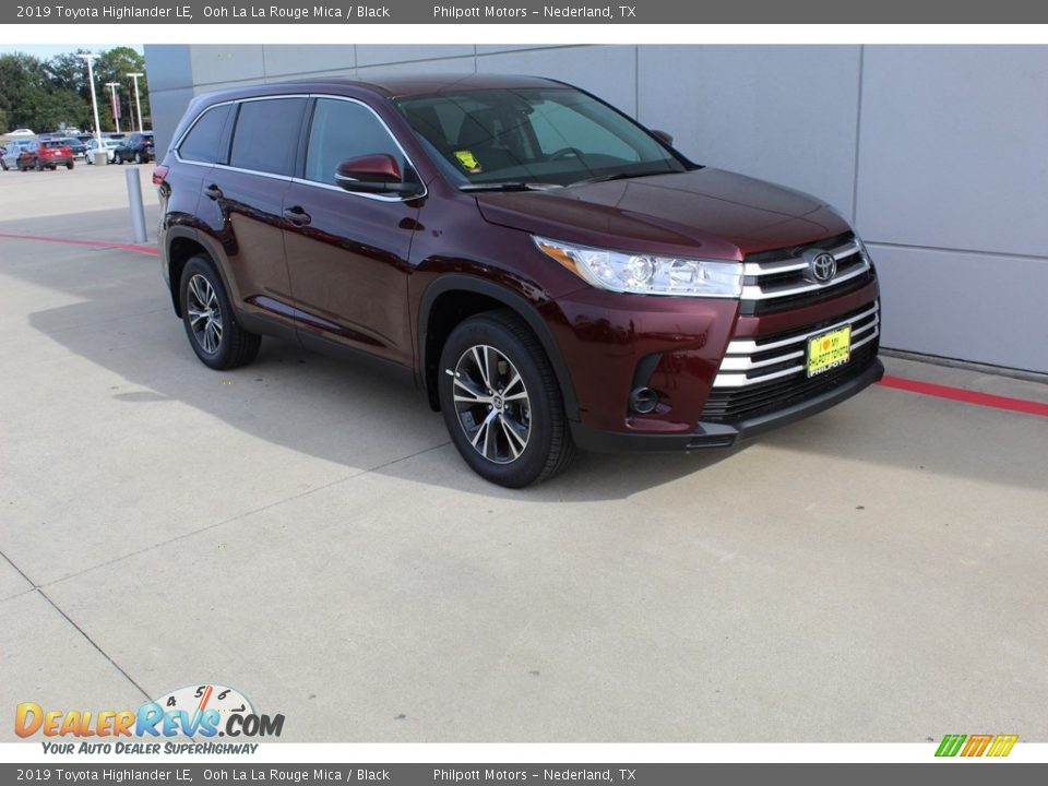 2019 Toyota Highlander LE Ooh La La Rouge Mica / Black Photo #2