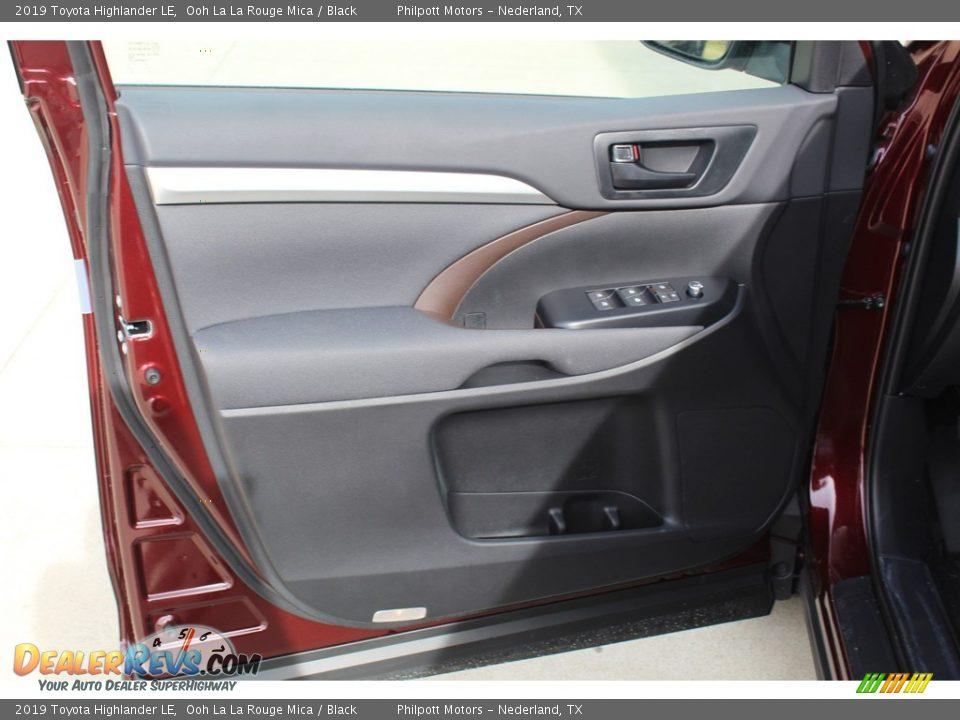 2019 Toyota Highlander LE Ooh La La Rouge Mica / Black Photo #9