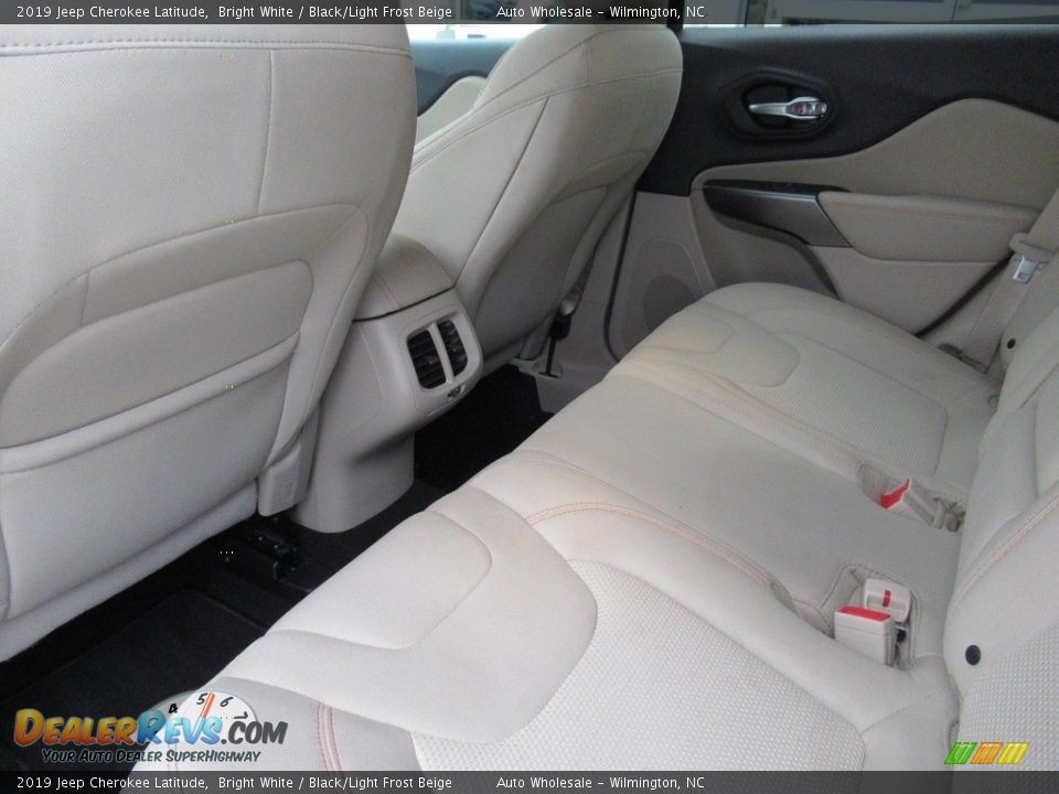 2019 Jeep Cherokee Latitude Bright White / Black/Light Frost Beige Photo #12