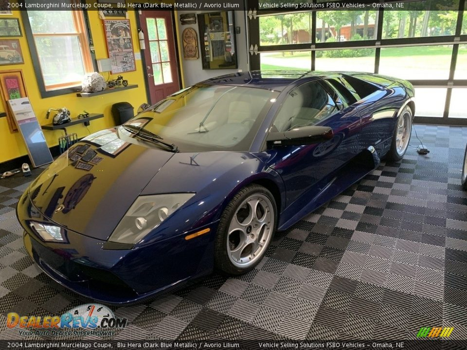 Front 3/4 View of 2004 Lamborghini Murcielago Coupe Photo #10