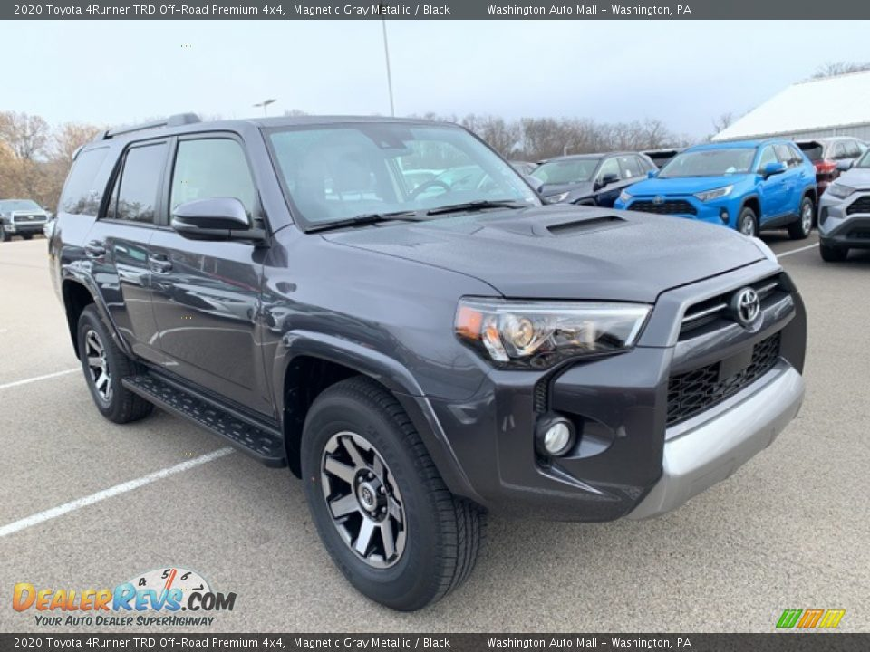 Front 3/4 View of 2020 Toyota 4Runner TRD Off-Road Premium 4x4 Photo #1