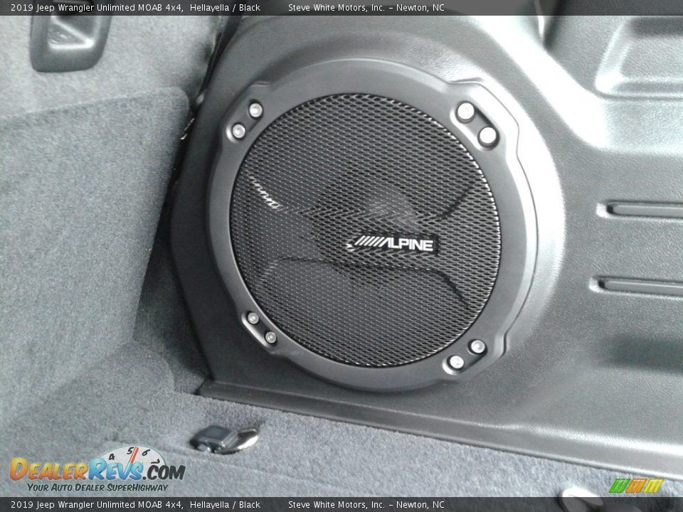 Audio System of 2019 Jeep Wrangler Unlimited MOAB 4x4 Photo #13