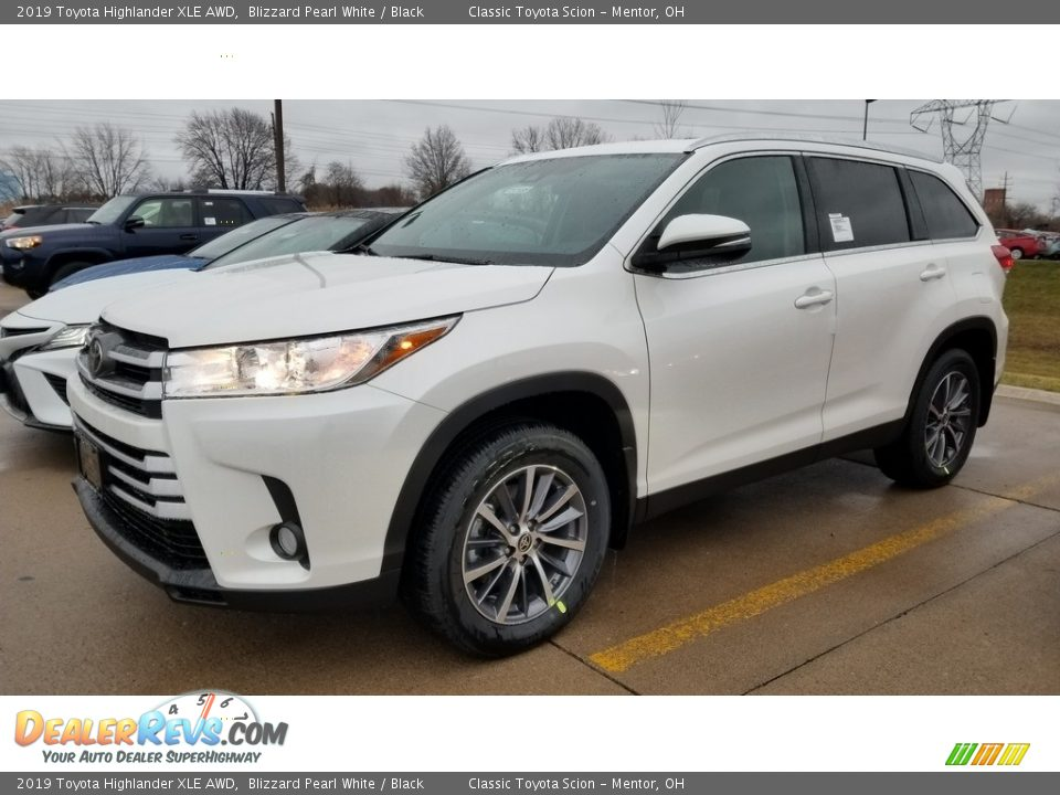 2019 Toyota Highlander XLE AWD Blizzard Pearl White / Black Photo #1