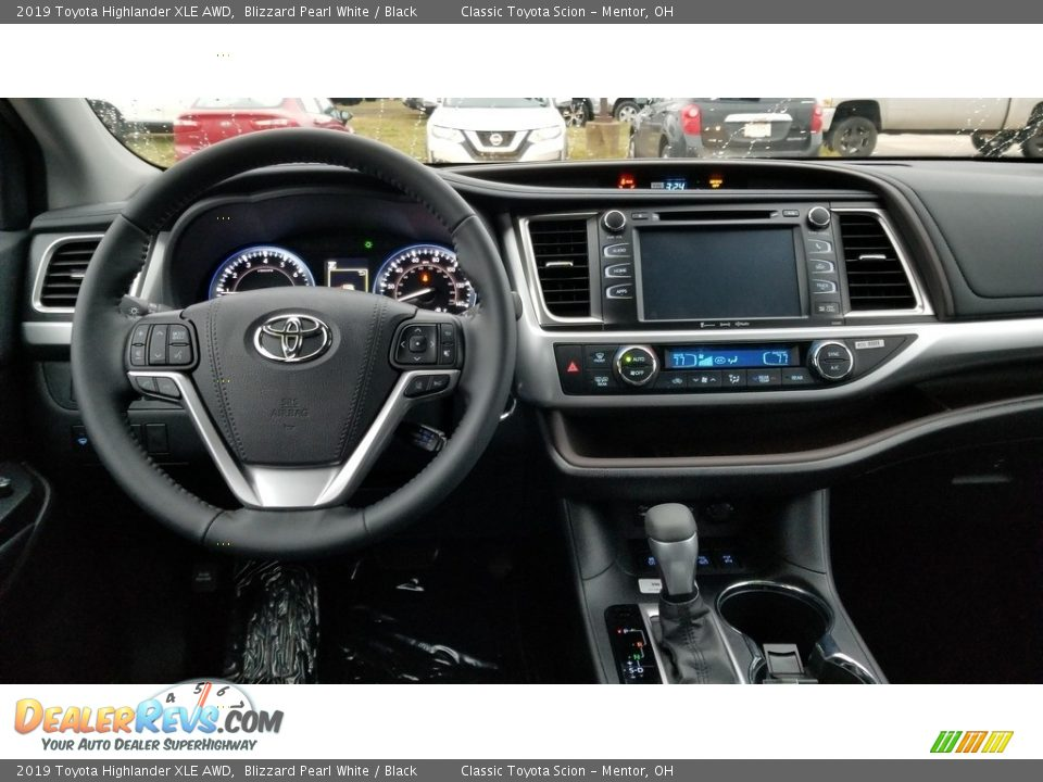 2019 Toyota Highlander XLE AWD Blizzard Pearl White / Black Photo #4