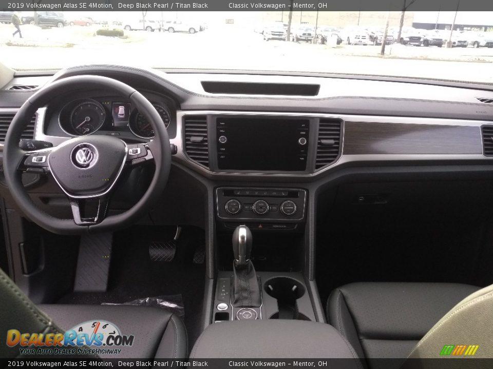 2019 Volkswagen Atlas SE 4Motion Deep Black Pearl / Titan Black Photo #4