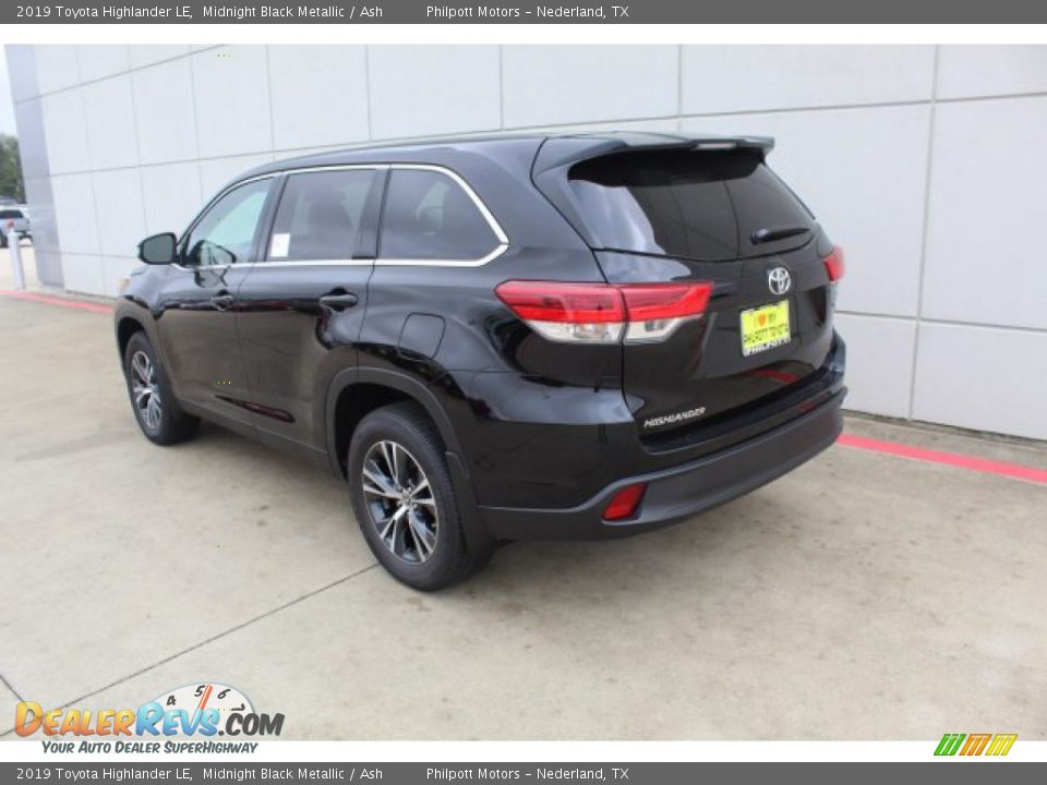 2019 Toyota Highlander LE Midnight Black Metallic / Ash Photo #6