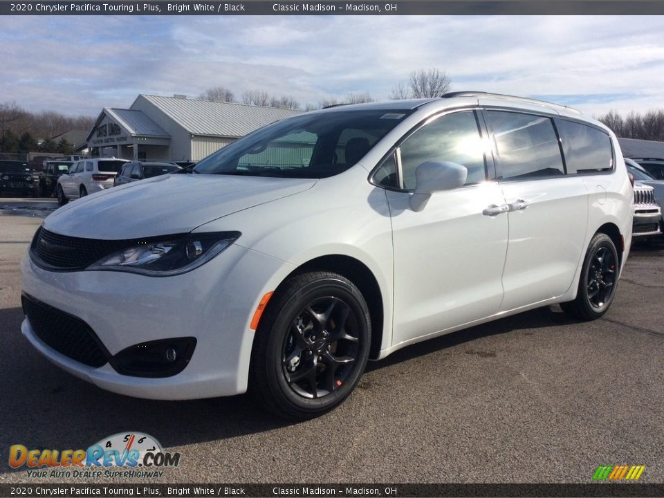 2020 Chrysler Pacifica Touring L Plus Bright White / Black Photo #5