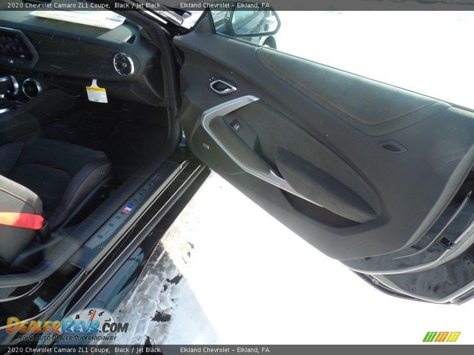 2020 Chevrolet Camaro ZL1 Coupe Black / Jet Black Photo #31