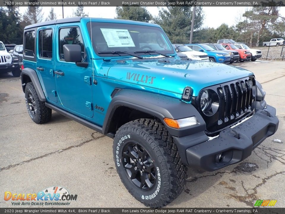Front 3/4 View of 2020 Jeep Wrangler Unlimited Willys 4x4 Photo #7