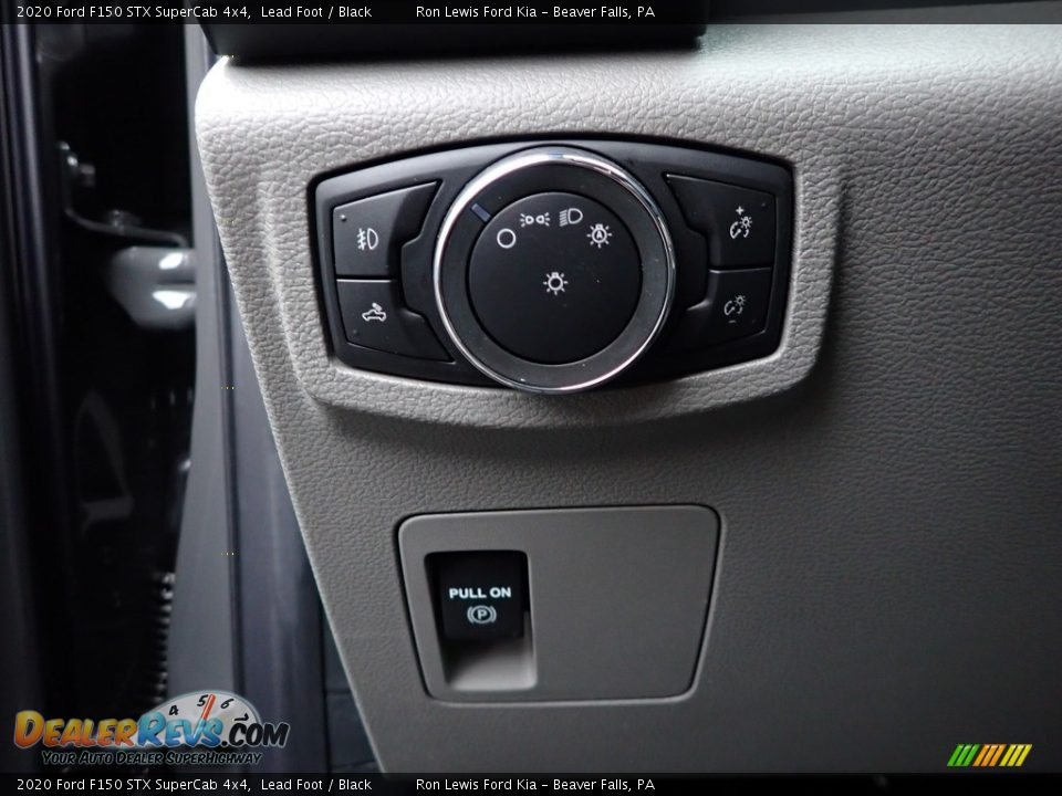 Controls of 2020 Ford F150 STX SuperCab 4x4 Photo #11