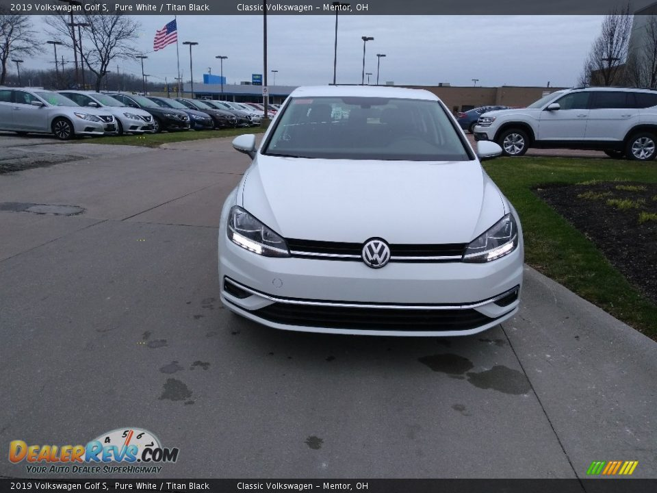 2019 Volkswagen Golf S Pure White / Titan Black Photo #1