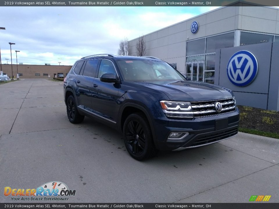 Front 3/4 View of 2019 Volkswagen Atlas SEL 4Motion Photo #2
