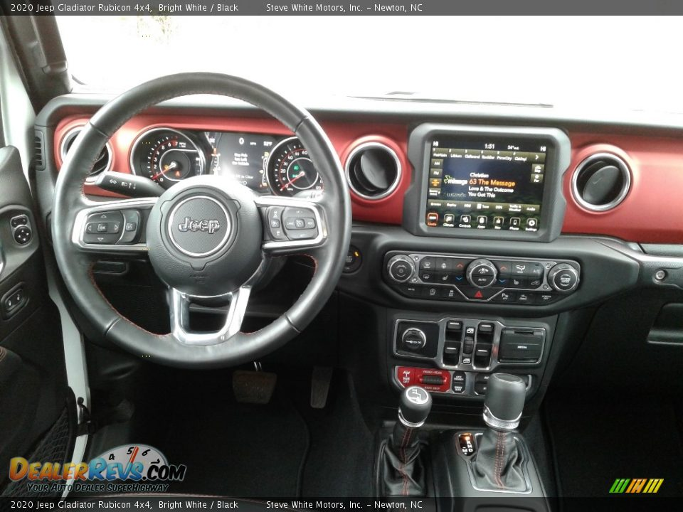 Dashboard of 2020 Jeep Gladiator Rubicon 4x4 Photo #18