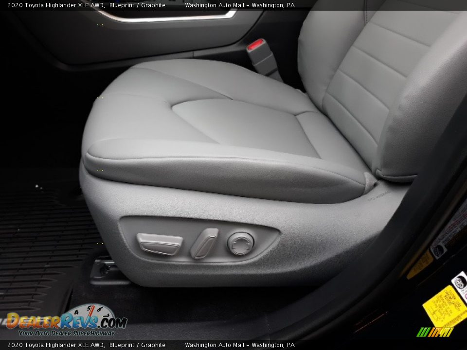 2020 Toyota Highlander XLE AWD Blueprint / Graphite Photo #25