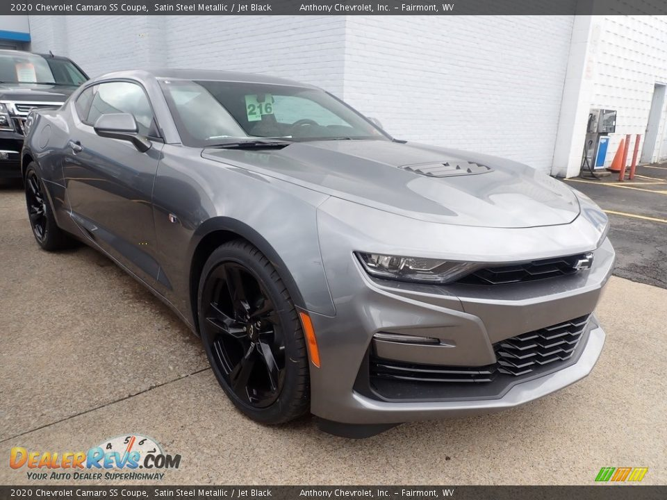 Front 3/4 View of 2020 Chevrolet Camaro SS Coupe Photo #2