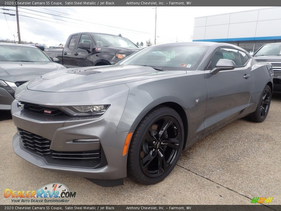 Front 3/4 View of 2020 Chevrolet Camaro SS Coupe Photo #8