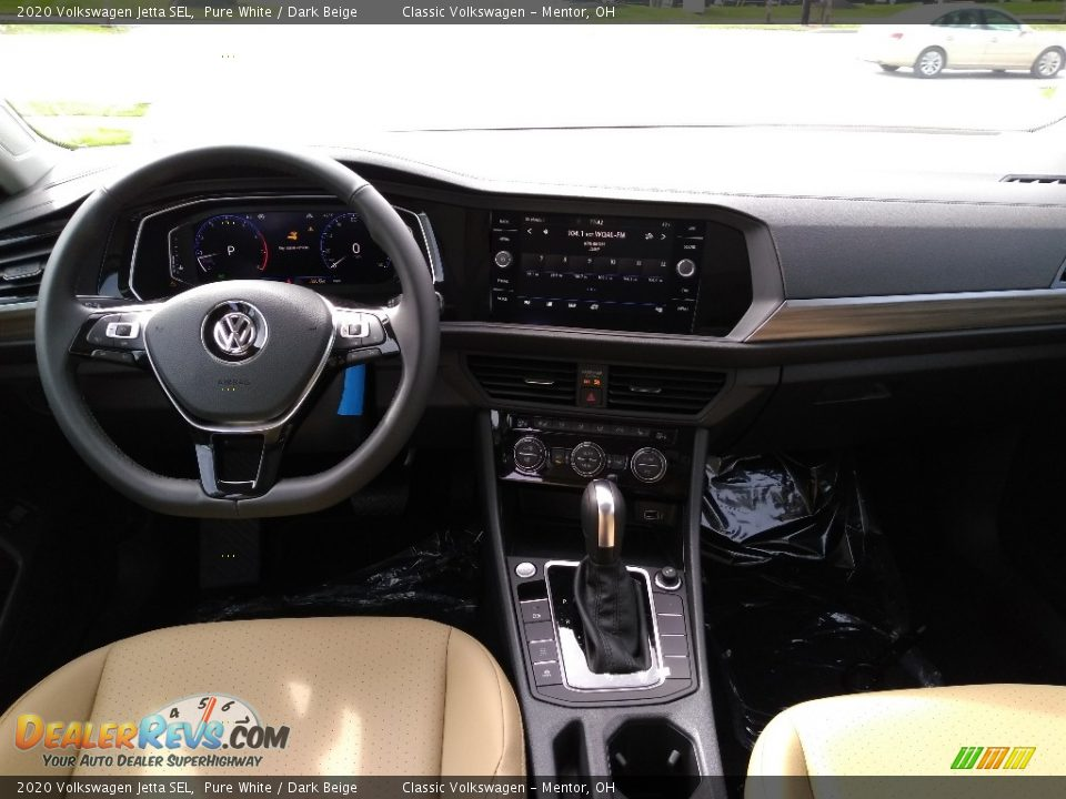 Dashboard of 2020 Volkswagen Jetta SEL Photo #4