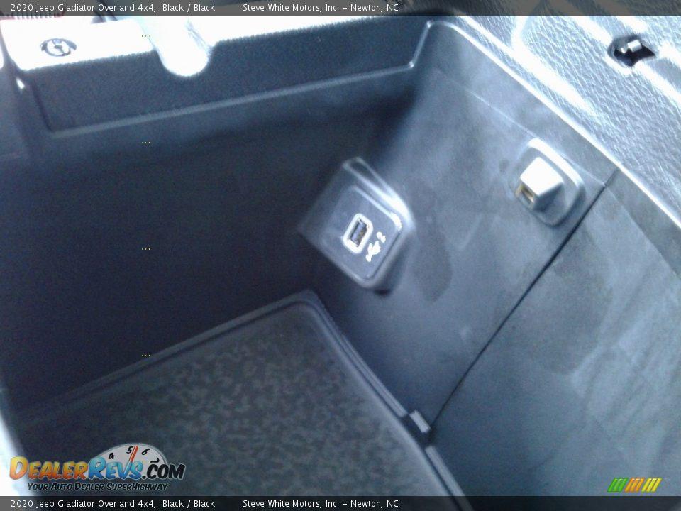 2020 Jeep Gladiator Overland 4x4 Black / Black Photo #29