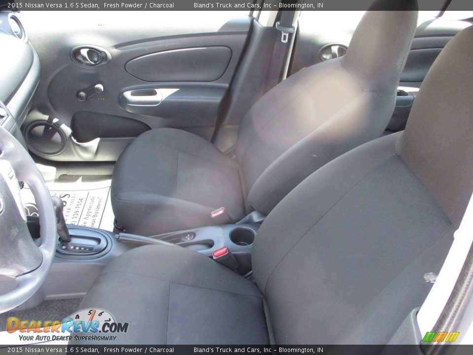 2015 Nissan Versa 1.6 S Sedan Fresh Powder / Charcoal Photo #7