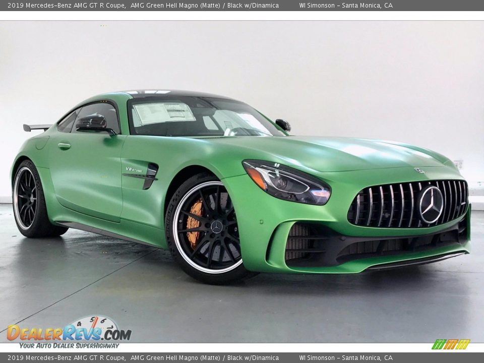 Front 3/4 View of 2019 Mercedes-Benz AMG GT R Coupe Photo #12