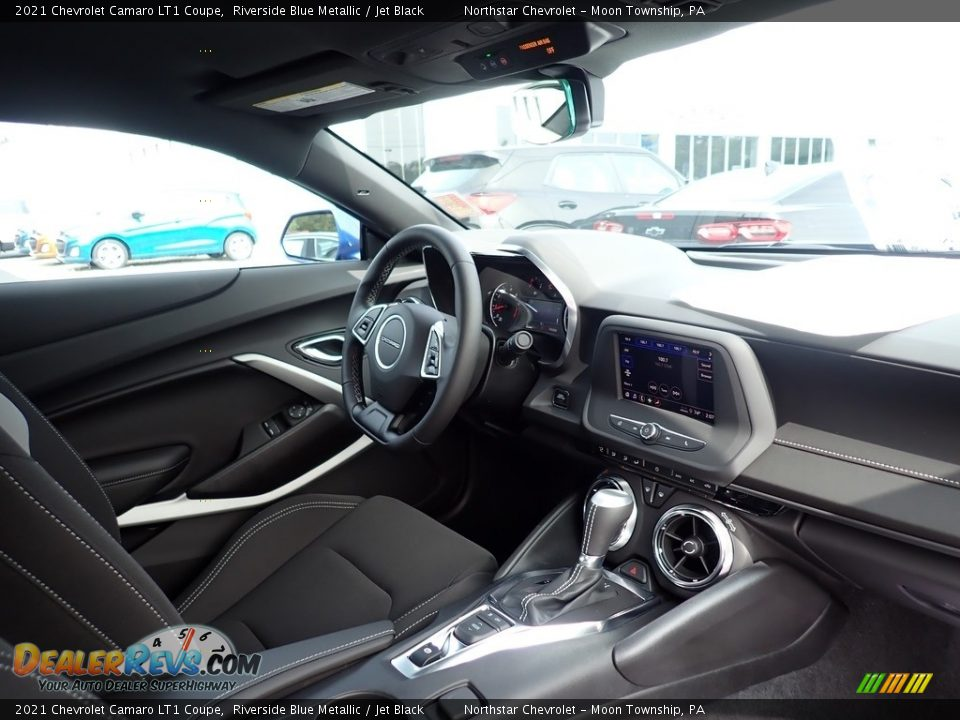 Dashboard of 2021 Chevrolet Camaro LT1 Coupe Photo #11