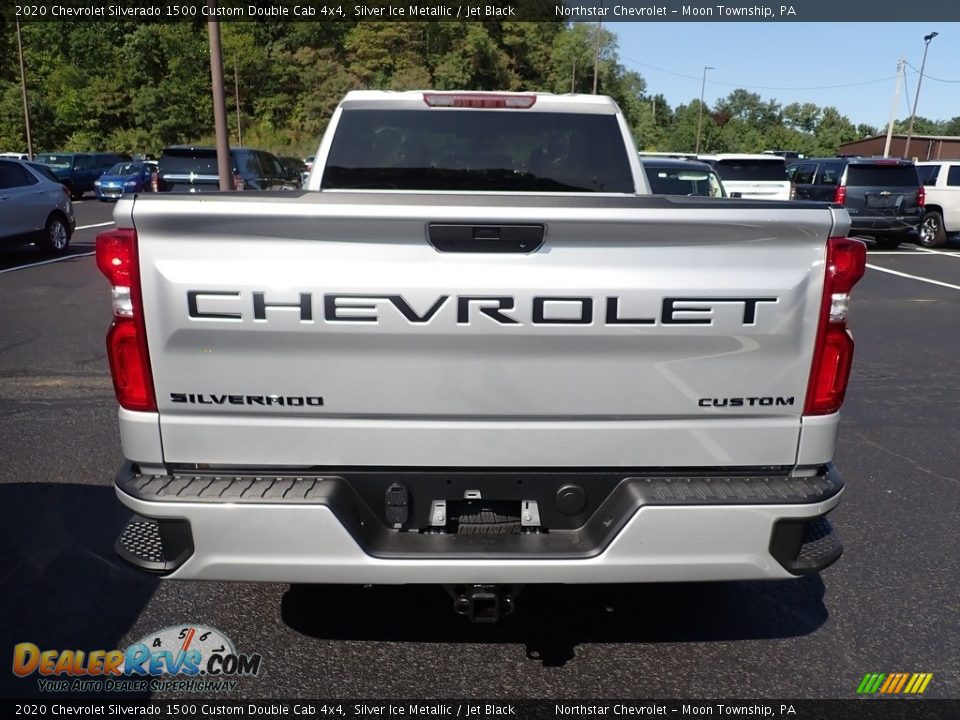 2020 Chevrolet Silverado 1500 Custom Double Cab 4x4 Silver Ice Metallic / Jet Black Photo #4