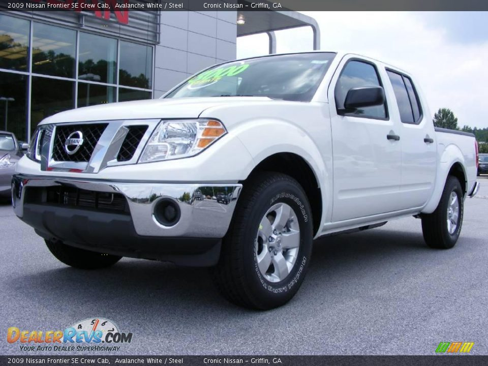 2009 nissan frontier se crew cab avalanche white steel photo 2. Black Bedroom Furniture Sets. Home Design Ideas