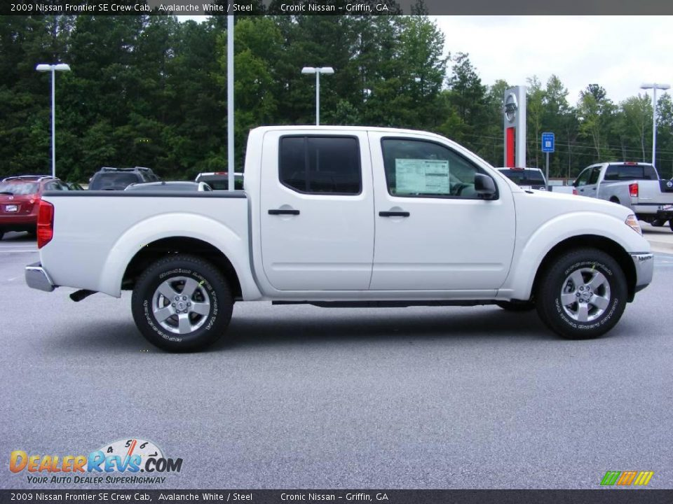 2009 nissan frontier se crew cab avalanche white steel photo 5. Black Bedroom Furniture Sets. Home Design Ideas