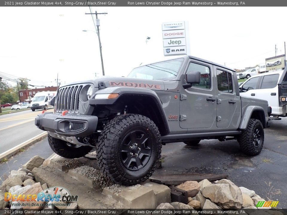 Front 3/4 View of 2021 Jeep Gladiator Mojave 4x4 Photo #1
