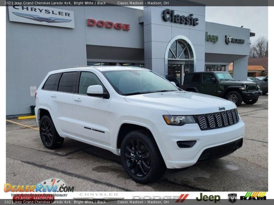 2021 Jeep Grand Cherokee Laredo 4x4 Bright White / Black Photo #1