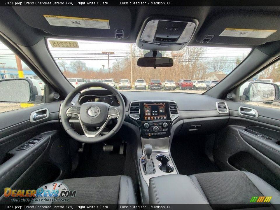 2021 Jeep Grand Cherokee Laredo 4x4 Bright White / Black Photo #4