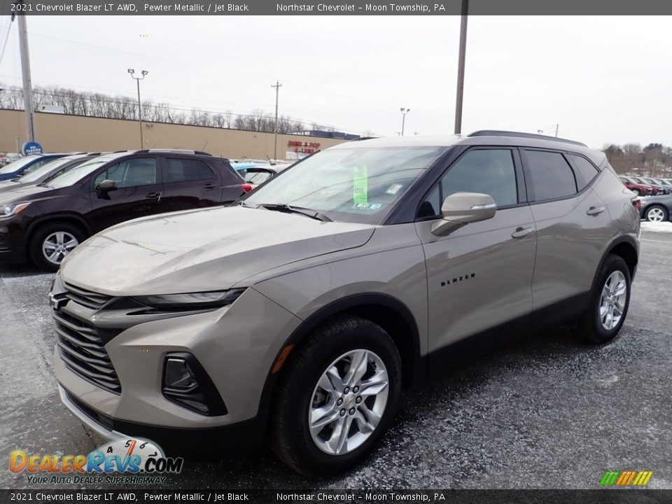 Front 3/4 View of 2021 Chevrolet Blazer LT AWD Photo #1