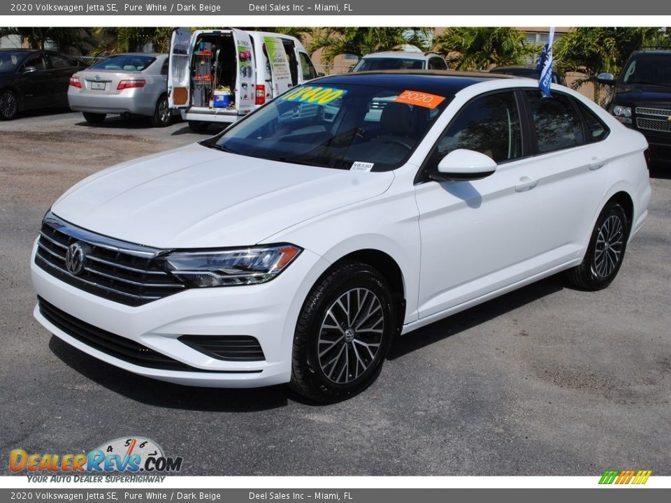 Pure White 2020 Volkswagen Jetta SE Photo #4