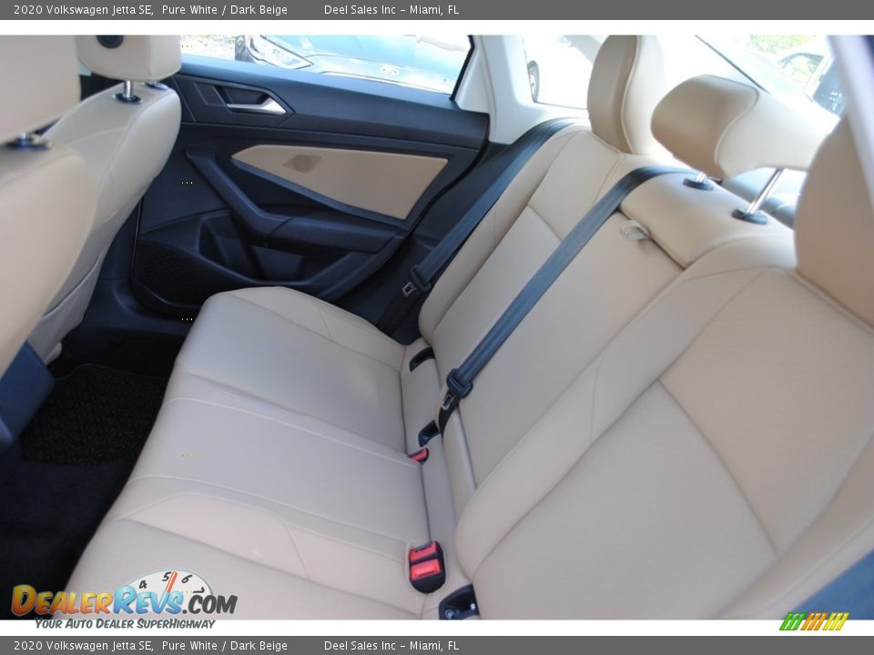 Rear Seat of 2020 Volkswagen Jetta SE Photo #11