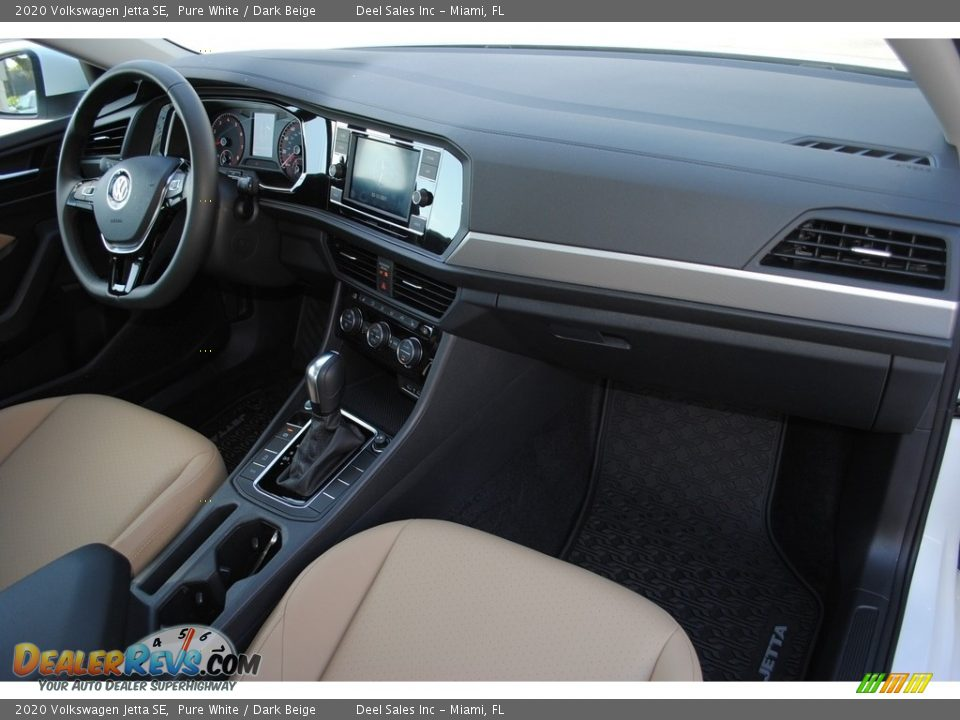 2020 Volkswagen Jetta SE Pure White / Dark Beige Photo #17