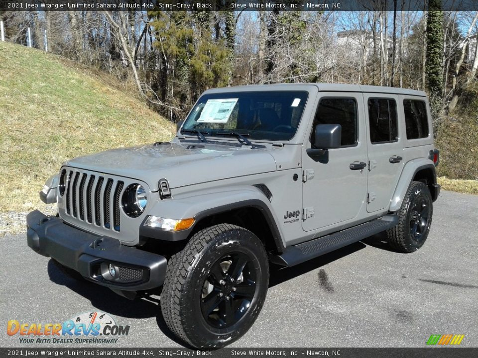 Front 3/4 View of 2021 Jeep Wrangler Unlimited Sahara Altitude 4x4 Photo #2