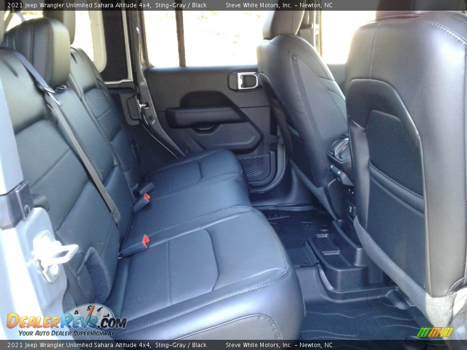 2021 Jeep Wrangler Unlimited Sahara Altitude 4x4 Sting-Gray / Black Photo #16