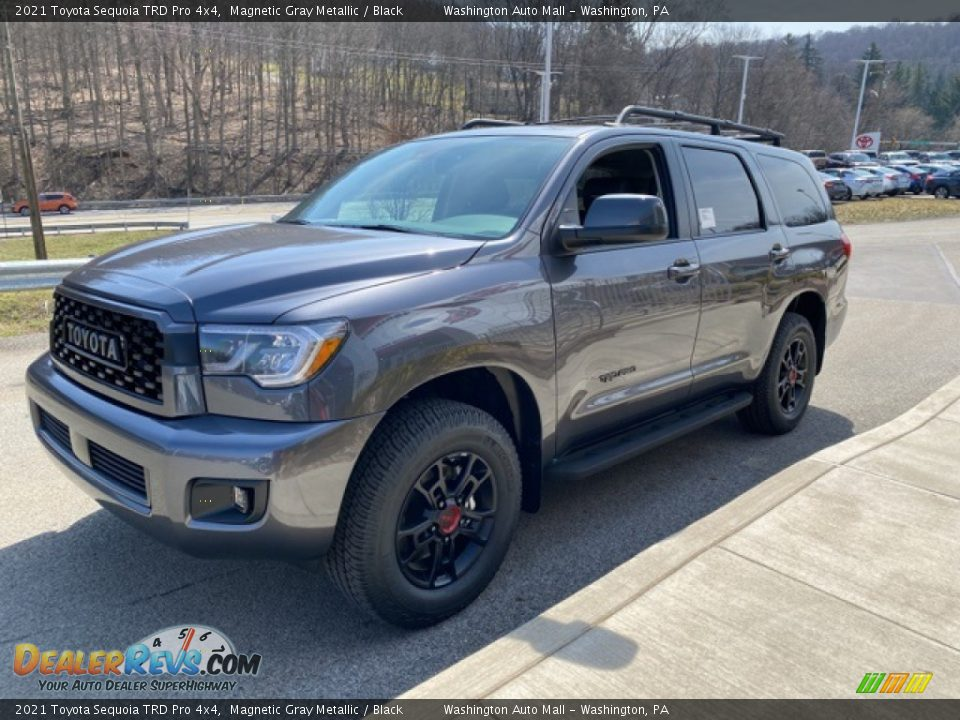 Front 3/4 View of 2021 Toyota Sequoia TRD Pro 4x4 Photo #14