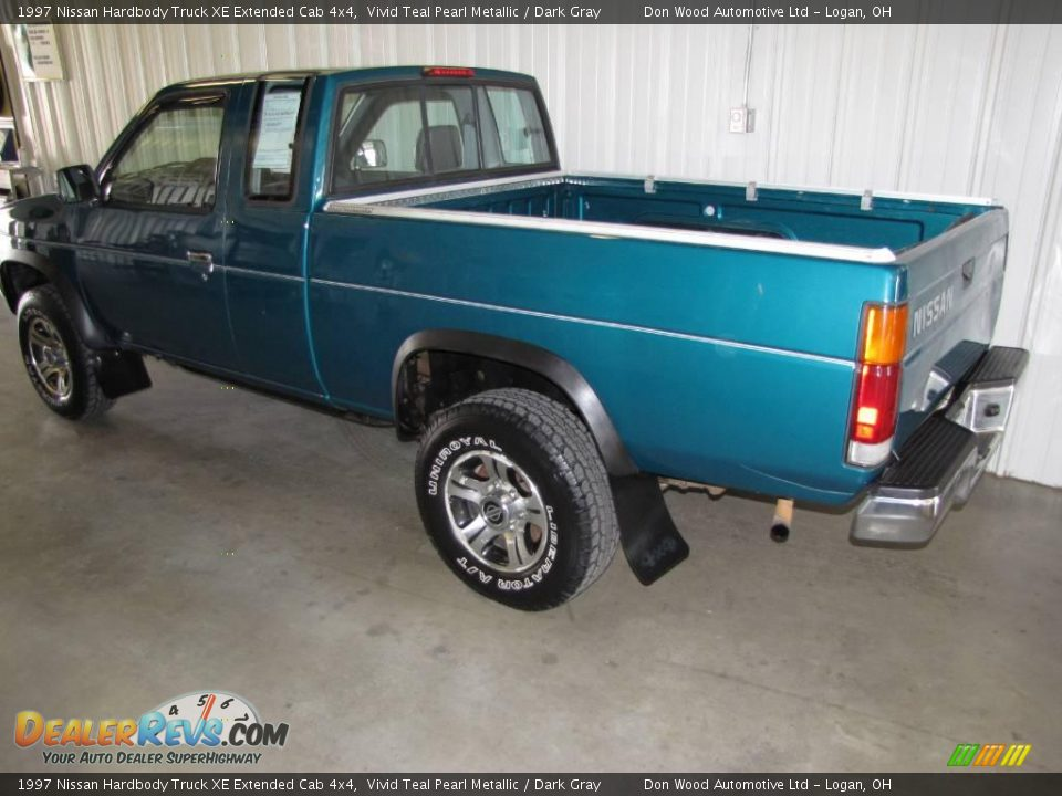 1997 nissan hardbody truck xe extended cab 4x4 vivid teal pearl metallic dark gray photo 8. Black Bedroom Furniture Sets. Home Design Ideas