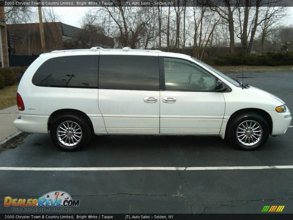 2000 chrysler town country limited bright white taupe photo 11. Black Bedroom Furniture Sets. Home Design Ideas