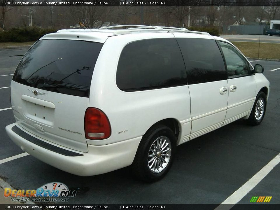 2000 chrysler town country limited bright white taupe photo 13. Black Bedroom Furniture Sets. Home Design Ideas