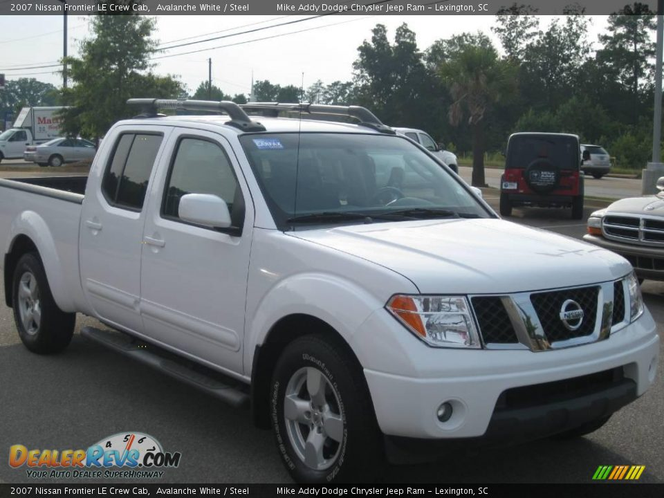 2007 nissan frontier le crew cab avalanche white steel photo 4. Black Bedroom Furniture Sets. Home Design Ideas