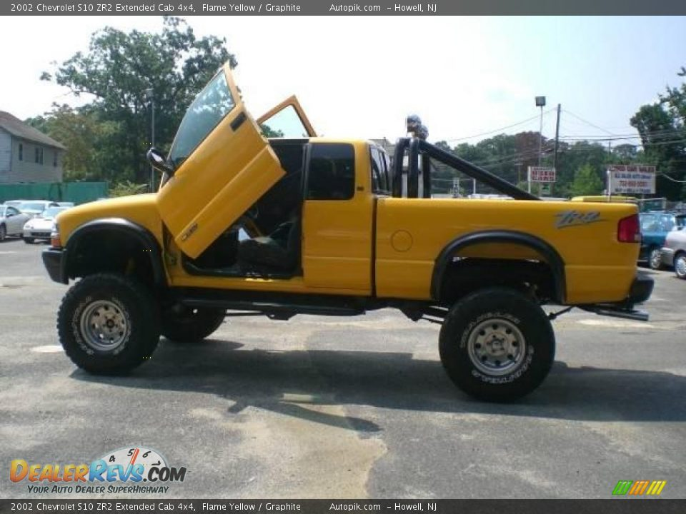 2002 Chevrolet S10 Zr2 Extended Cab 4x4 Flame Yellow Graphite