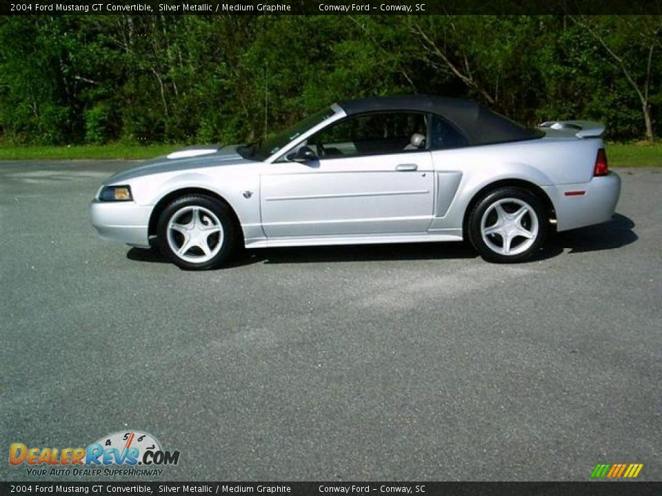 2004 ford mustang gt convertible silver metallic medium. Black Bedroom Furniture Sets. Home Design Ideas