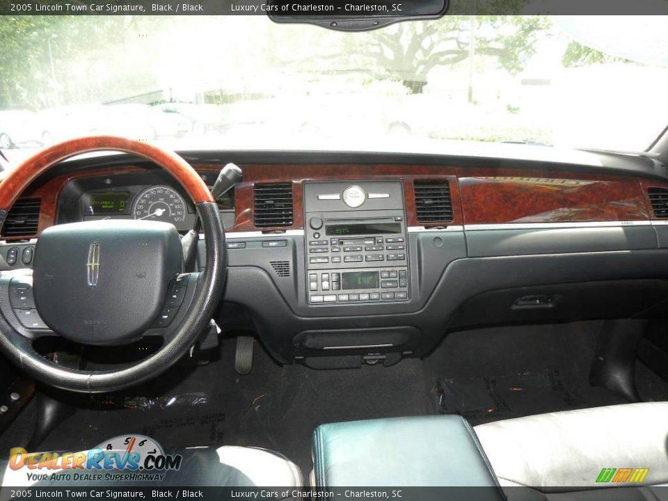 2005 Lincoln Town Car Signature Black Black Photo 3 Dealerrevs Com