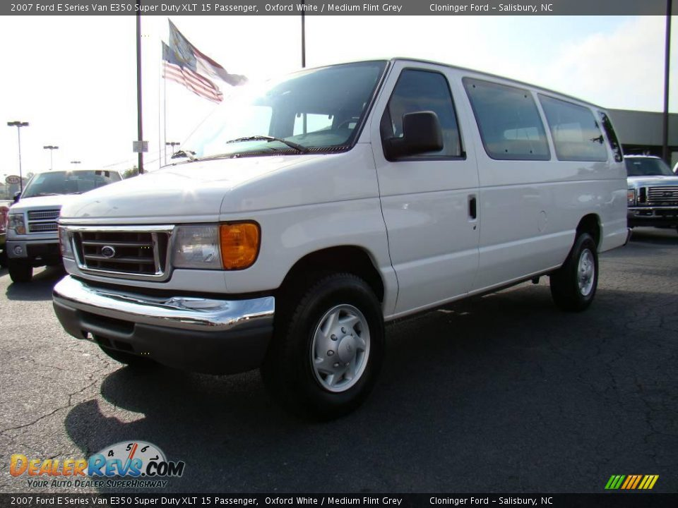 2007 Ford E Series Van E350 Super Duty Xlt 15 Passenger Oxford White Medium Flint Grey Photo