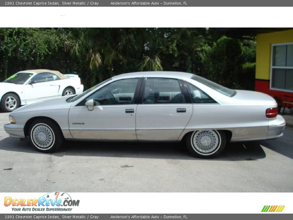 1991 chevrolet caprice with 17870019 on 1973 Chevrolet Caprice Classic Convertible In West Austin Field additionally 17870019 further 2 likewise Wallpapers Chevrolet Caprice Station Wagon 1991 96 233698 as well All Cars In Men In Black 1997.