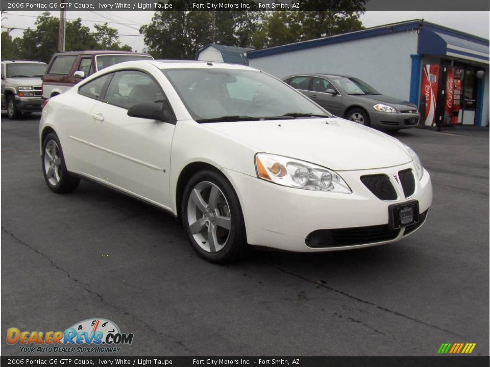 2006 pontiac g6 gtp coupe ivory white light taupe photo 4. Black Bedroom Furniture Sets. Home Design Ideas