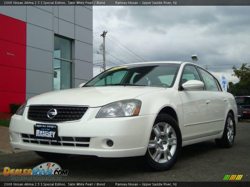 2006 nissan altima 2 5 s special edition satin white pearl blond photo 1. Black Bedroom Furniture Sets. Home Design Ideas