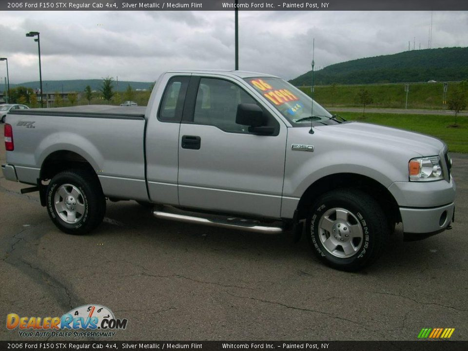 2006 Ford F150 STX Regular Cab 4x4 Silver Metallic / Medium Flint